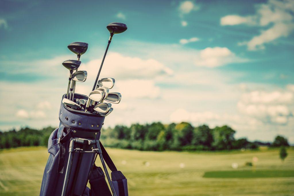 Golf equipment bag